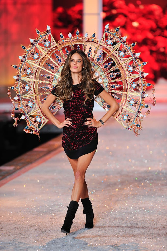 Pictures of Dress Rehearsals Backstage at the 2011 Victoria's Secret Fashion Show: See Alessandra Ambrosio Perfect Their Poses!