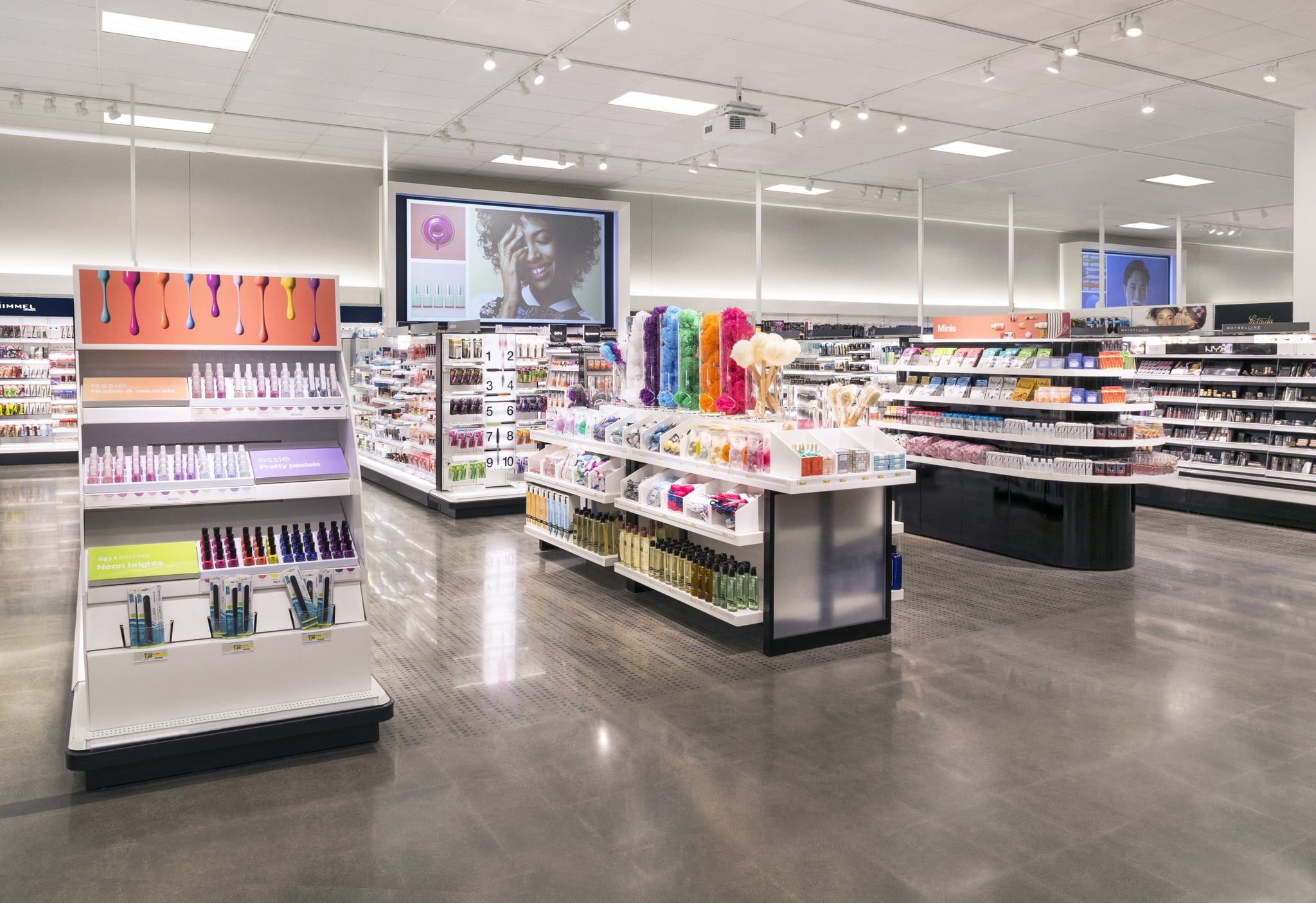 Back In September, The Makeup Addiction Page On Reddit Was In A Frenzy Over  Changes At An Arizona Target Storeu0027s Beauty Section.
