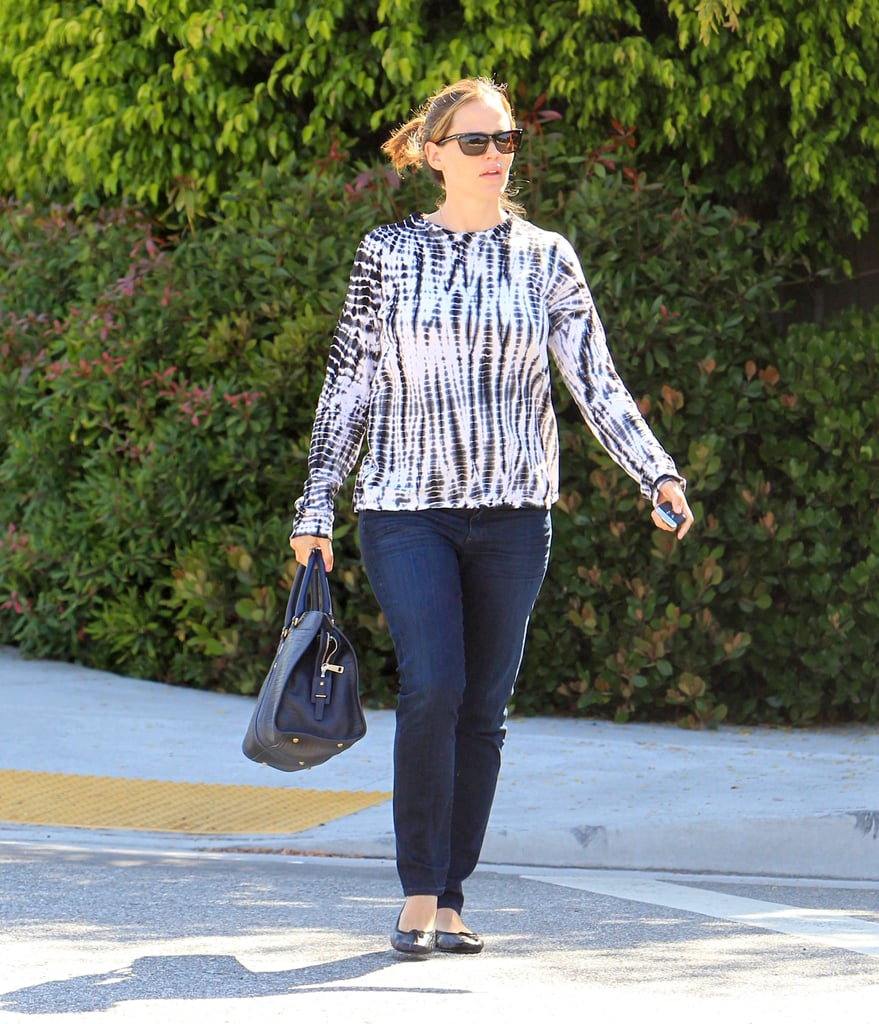 Jennifer Garner carried a black bag and wore sunglasses out in LA.