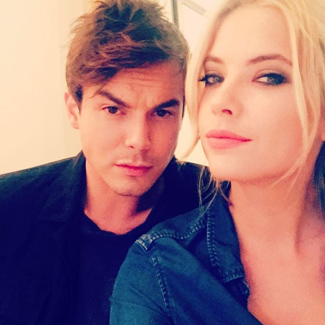 RÉTABLIR UN SUJET ✱ Remets les en jeu - Page 2 Ashley-Benson-Tyler-Blackburn-Instagram-Pictures