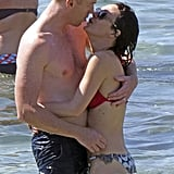 Damian Lewis gave his wife a kiss.
