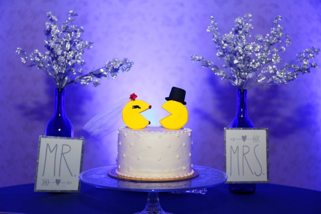 10 Geeky Cake Topper Ideas to Complete the Wedding of Your Dreams