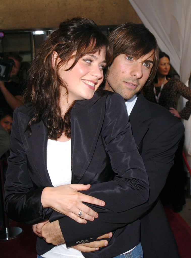 Zooey Deschanel and Jason Schwartzman joked around at the 2004 premiere of I Heart Huckabees