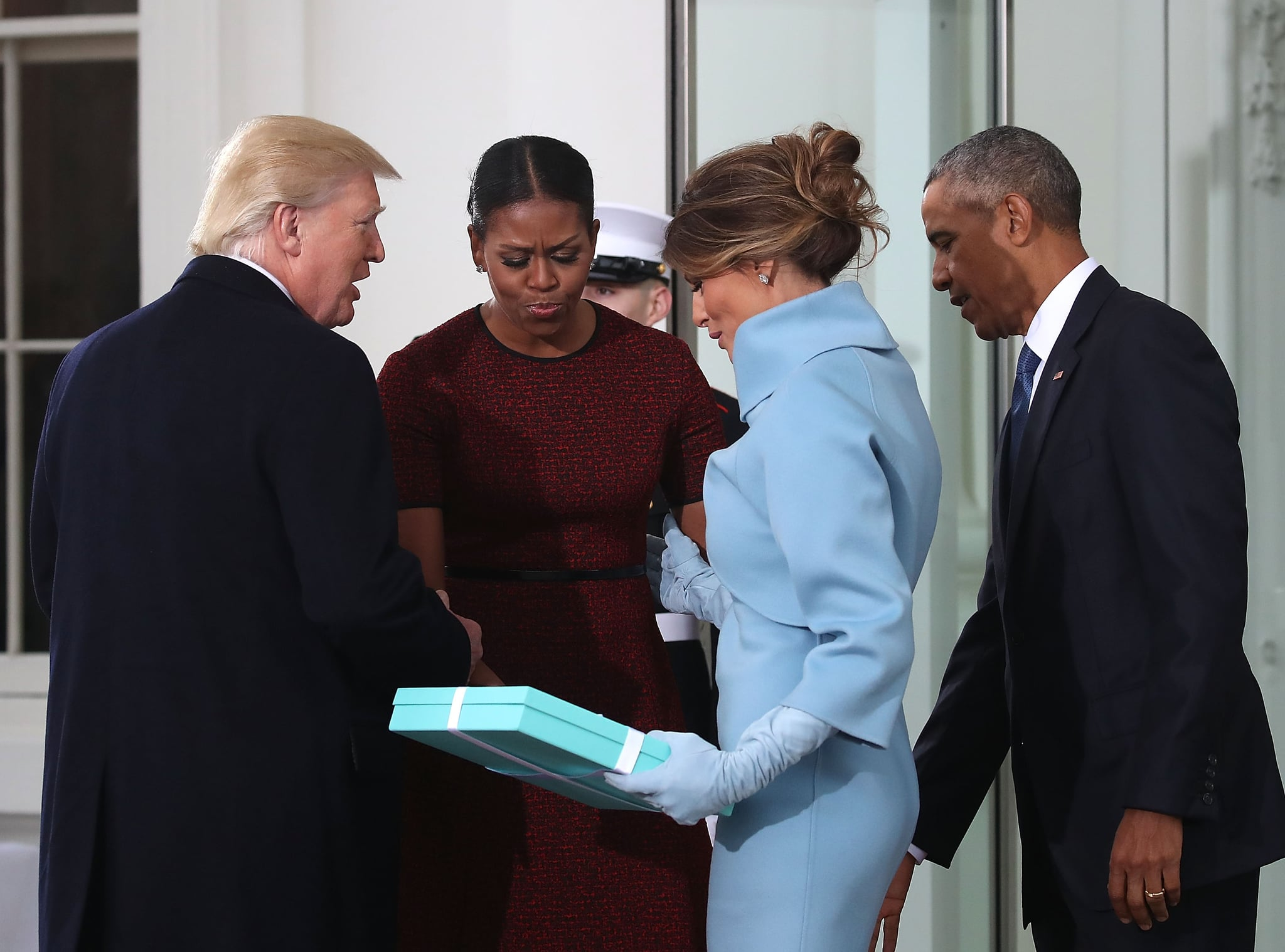 1cef5464671a7612_GettyImages 632184312 michelle obama responds to melania trump gift meme popsugar news