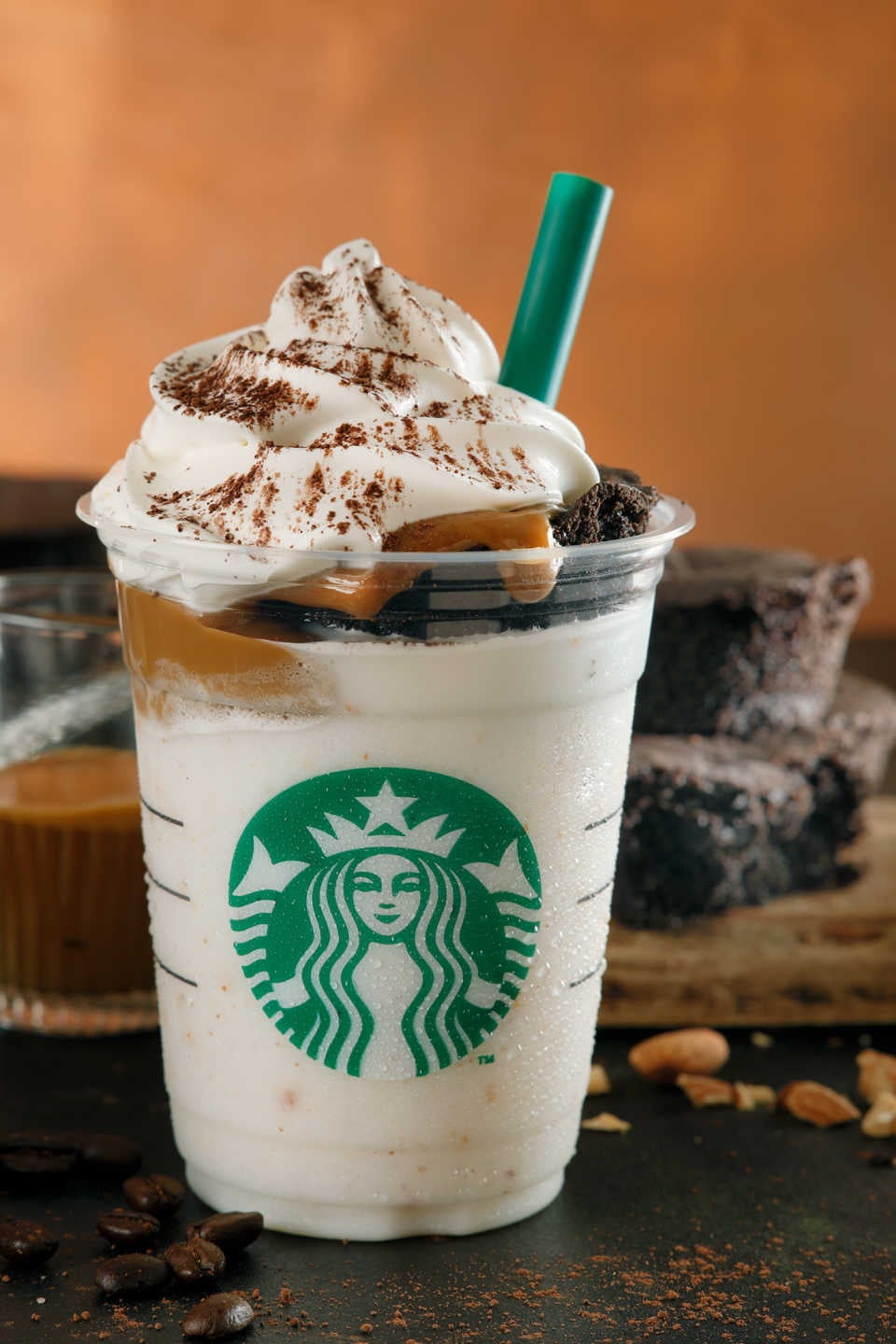 Starbucks Chocolate Cake Topped Frappuccinos In Japan