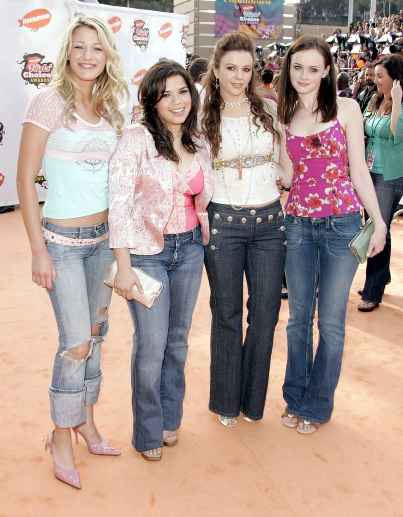Wearing a top and cuffed jeans to Nickelodeon's 18th Annual Kids Choice Awards in 2005.
