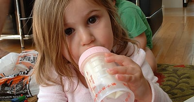 How I Transitioned My Bottle-Loving Toddler to a Sippy
