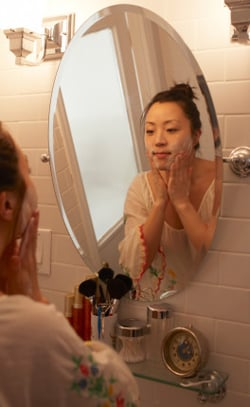 How To Recognise and Avoid Harmful Petrochemical Ingredients in Cosmetics and Skincare Beauty Products