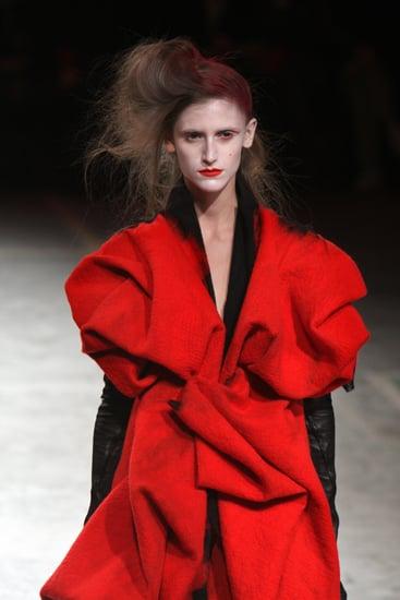 Paris Fashion Week: Yohji Yamamoto Fall 2009