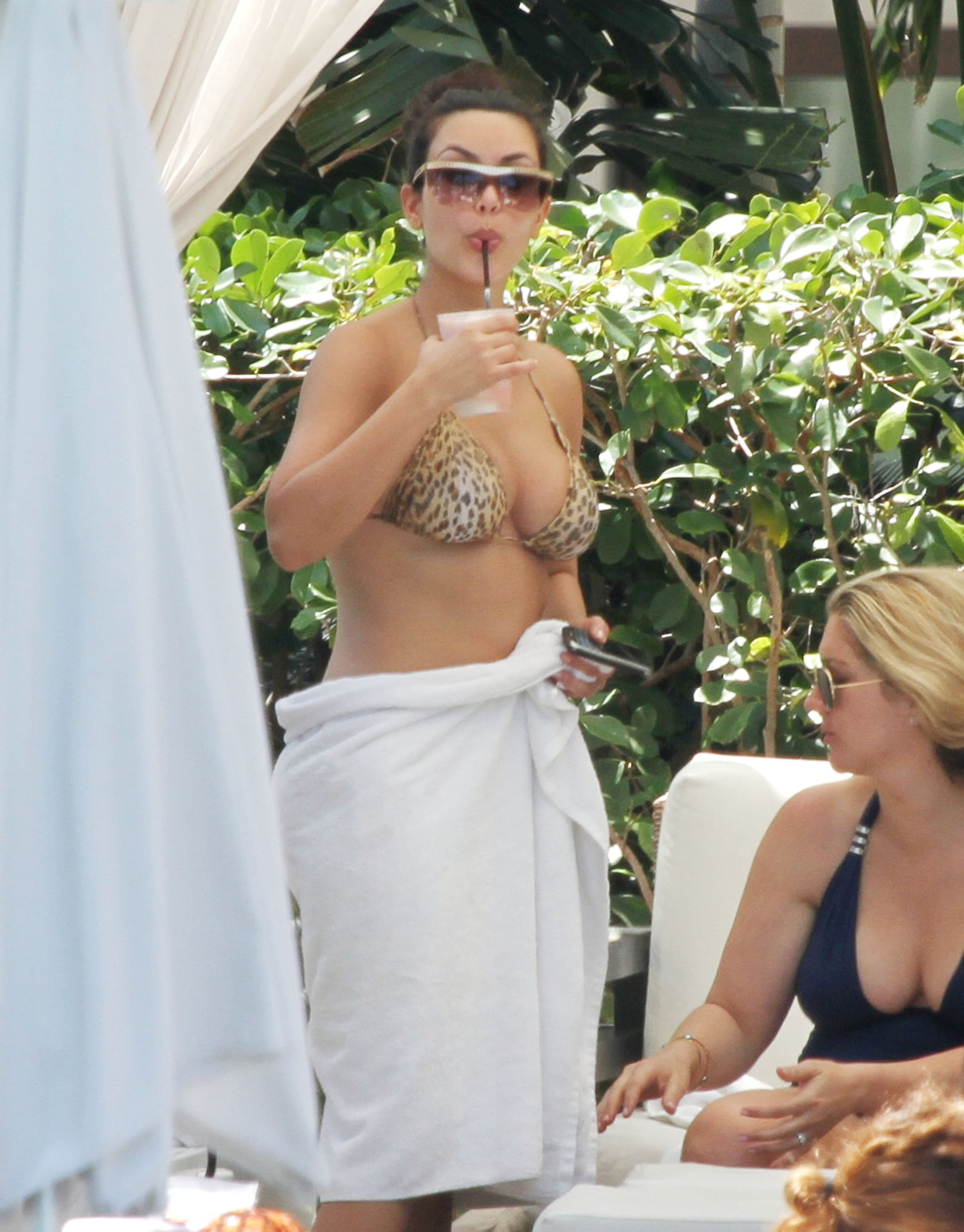Pictures of Christina Aguilera and Kim Kardashian in ...