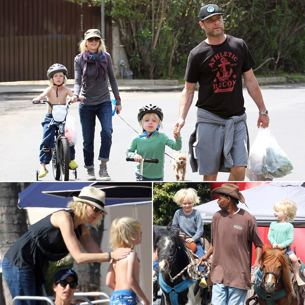 Naomi Watts and Liev Schreiber With Their Sons | Pictures