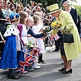 Queen Elizabeth II greets German children in 2015.