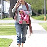 Jennifer Garner chatted on the phone.