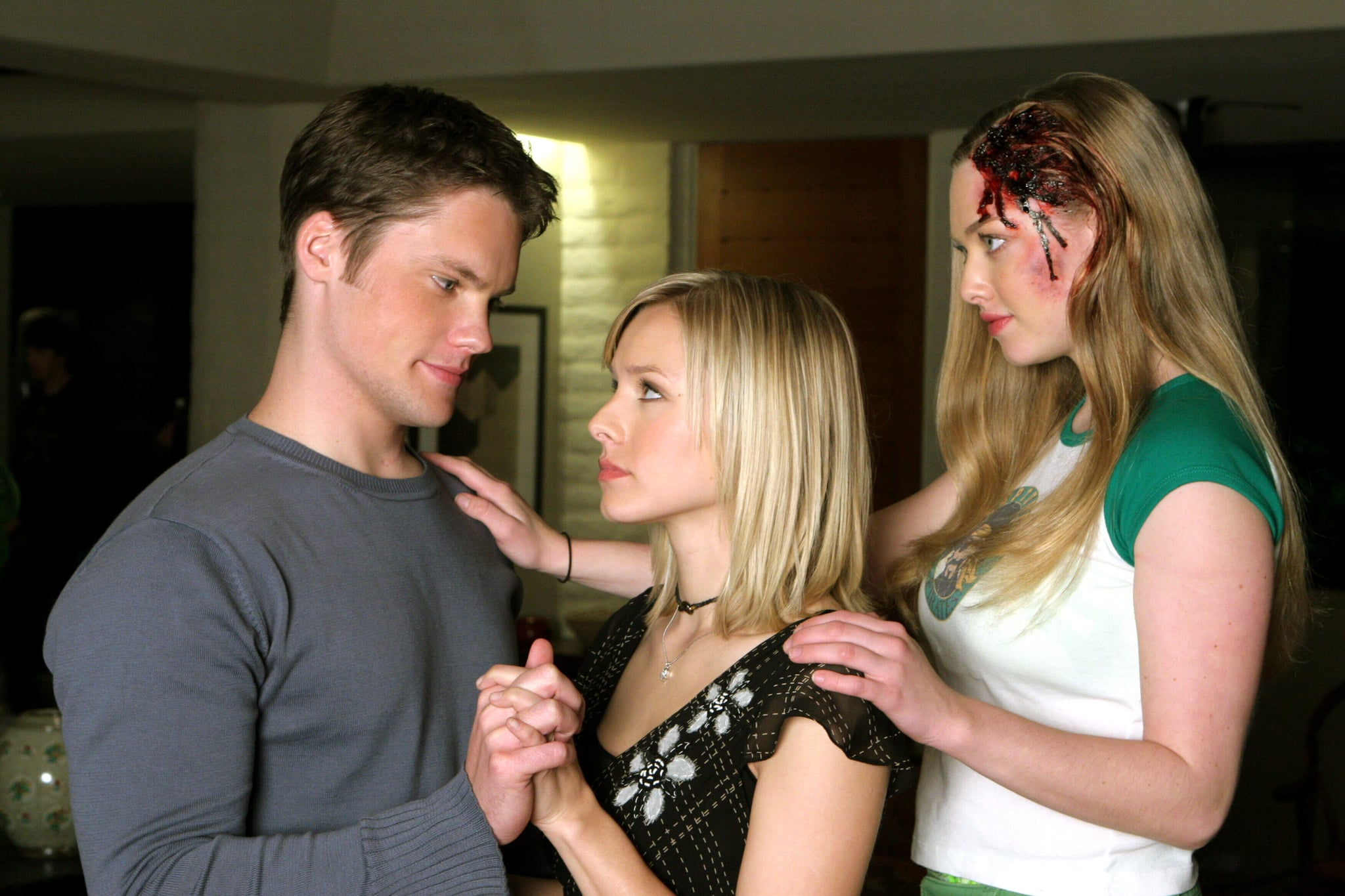 VERONICA MARS, Teddy Dunn, Kristen Bell, Amanda Seyfried, (Season 1), 2004-07. photo:  Warner Bros. Television / Courtesy Everett Collection