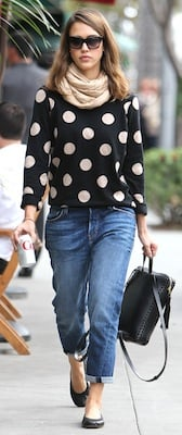 Jessica Alba in Madewell Sweater and Current/Elliott Jeans