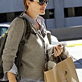 Jennifer Garner carried a brown paper bag.