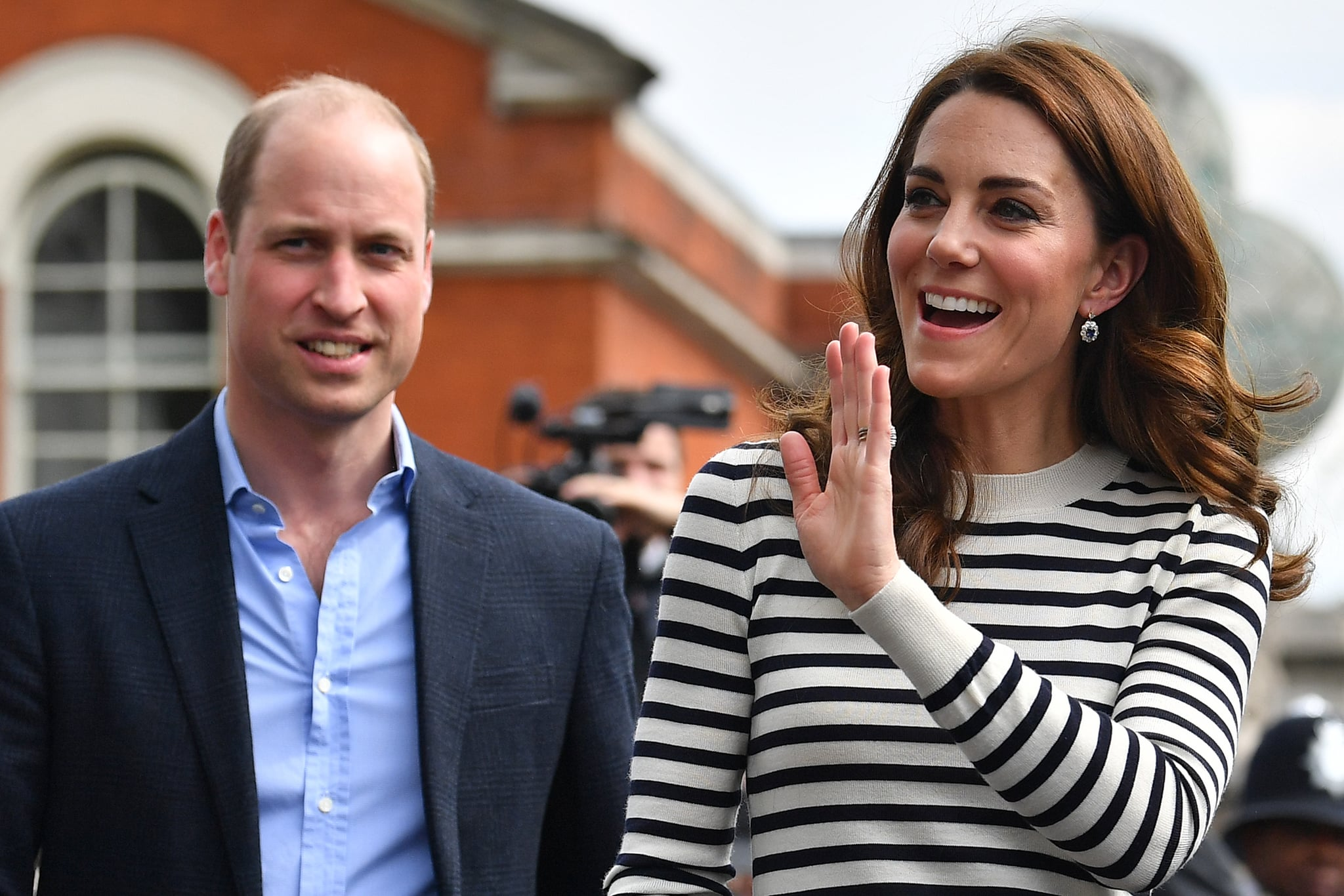 LONDON, ENGLAND - MAY 07: Catherine, Duchess of Cambridge and Prince William, Duke of Cambridge wave to well wishers as they leave after attending the launch of the King's Cup Regatta at Cutty Sark, Greenwich on May 7, 2019 in London, England. (Photo by Ben Stansall - WPA Pool / Getty Images)