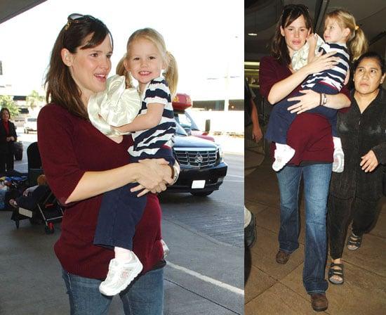 Photos of Jennifer Garner and Violet Affleck Leaving LAX