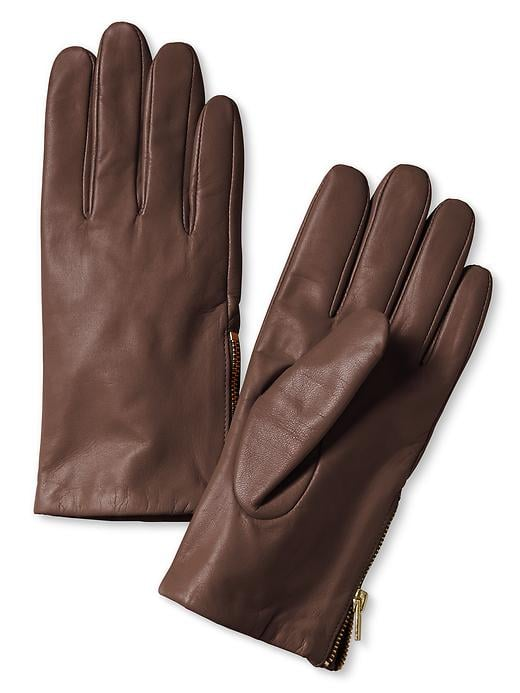 Give her a luxe way to stay warm with these Banana Republic Leather Zip Gloves ($80).