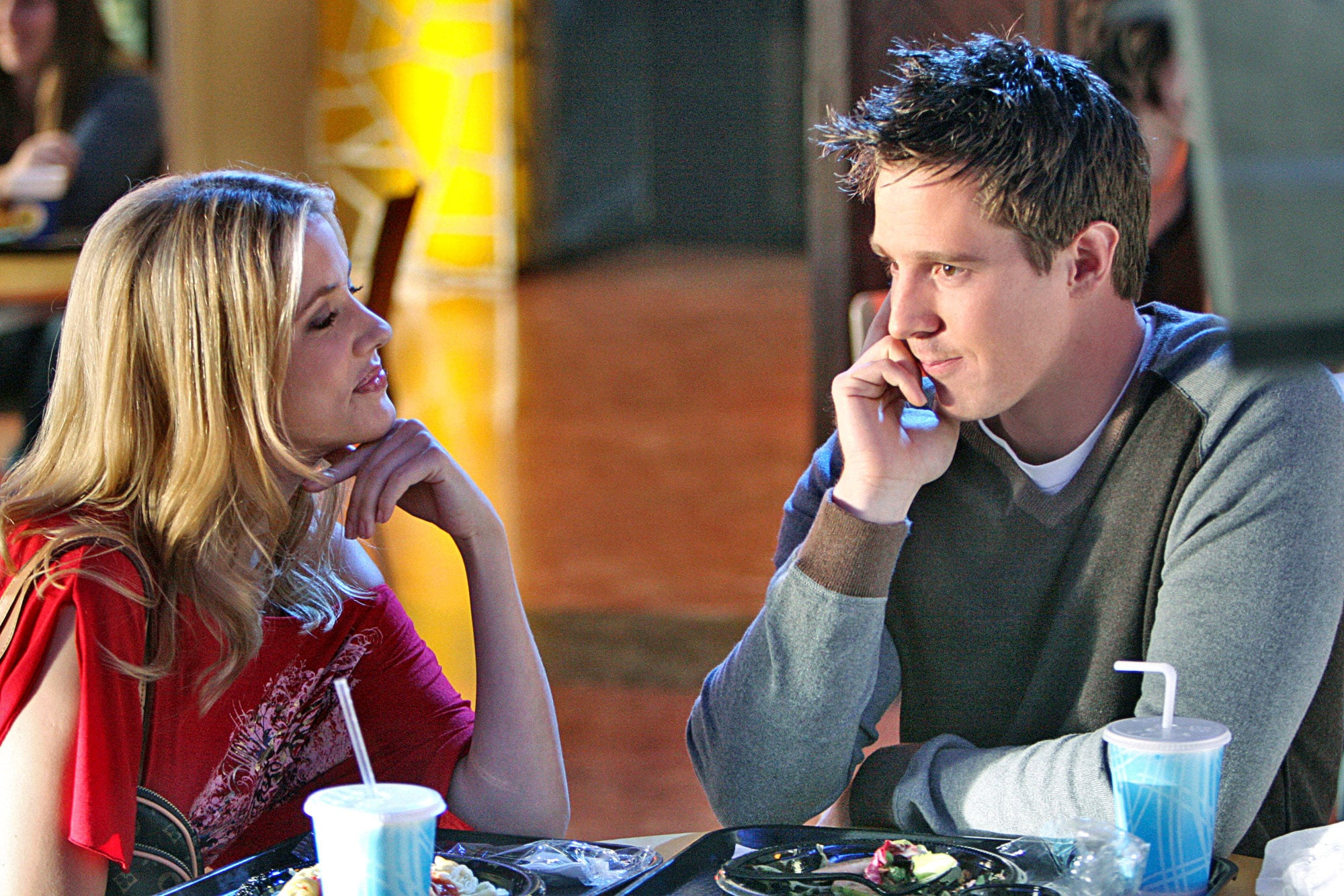 VERONICA MARS, Julie Gonzalo, Jason Dohring, 'Mars, Bars', (Season 3, aired February 20, 2007) 2004-07. Photo: Michael Desmond /  Warner Bros. Television / Courtesy Everett Collection