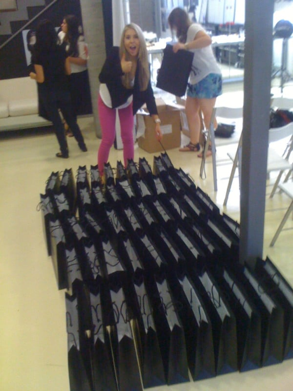 The Sweaty Betty team packed the gift bags for the Rae Morris Brush Collection event. Twitter User: sweatybettypr