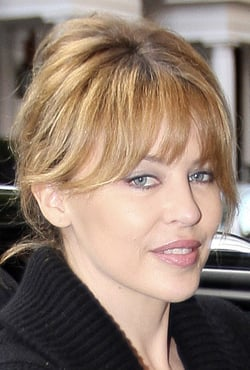 Photo of Kylie Minogue Makeup Look. How To Get Her Breezy Beauty Look.