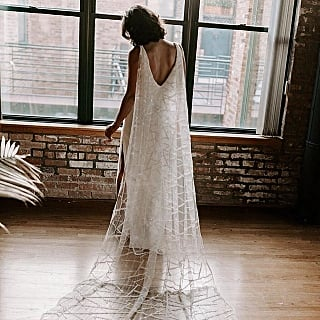 What Can a Bride Wear Instead of a Veil?