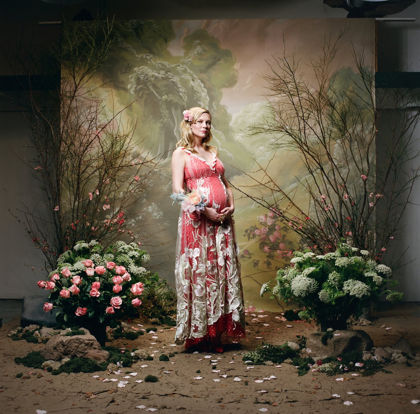 Kirsten Dunst confirms pregnancy in Rodarte campaign