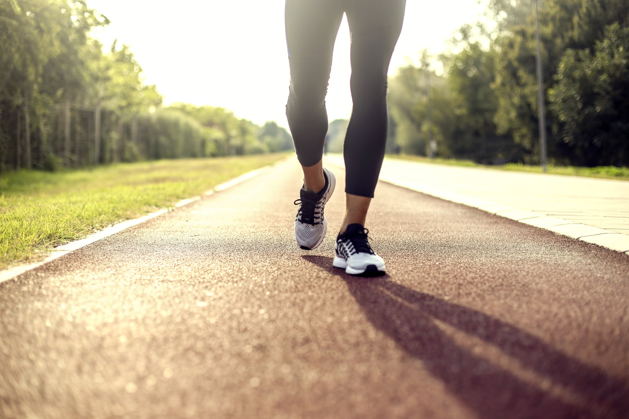 An Expert Explains the Proper Walking Form to Maximize Your Workout and Lose Weight