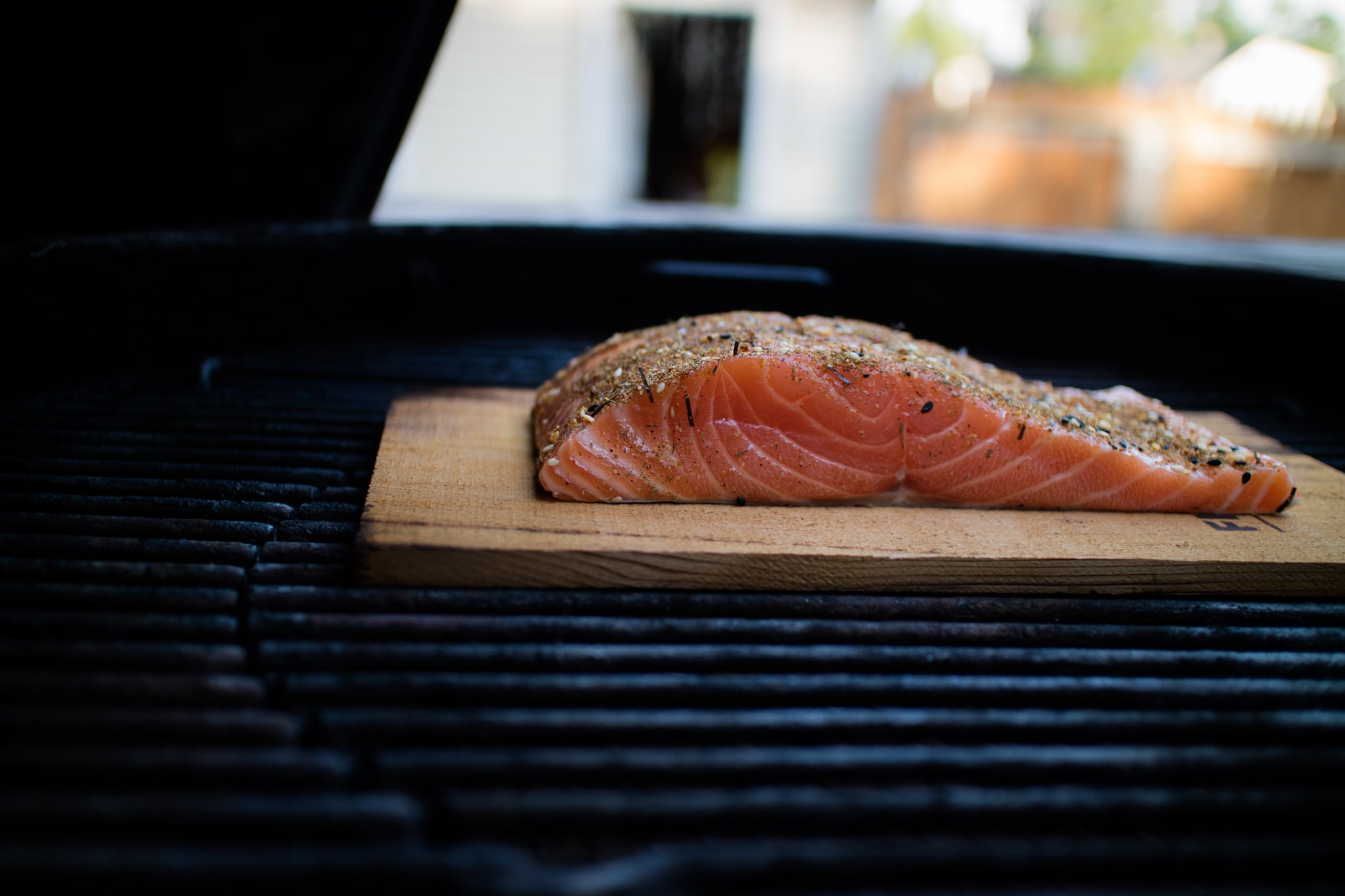 "5 Methods For Grilling Fish That Will Earn You the Title ""Grill Master of Summer"""