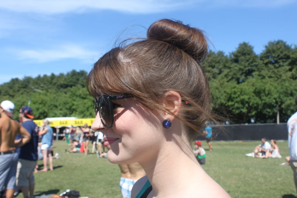 This topknot and bang combination spotted on Jessica is the ideal festival style to keep your neck cool.