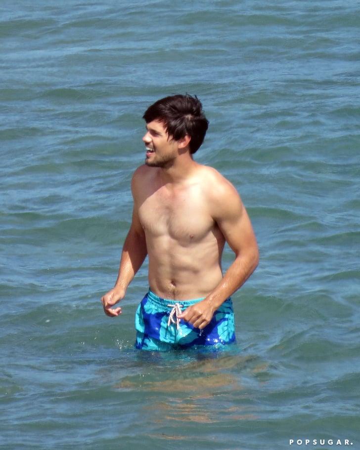 alex-meraz-shirtless