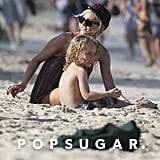 Ashlee Simpson sat in the sun with Bronx Wentz.