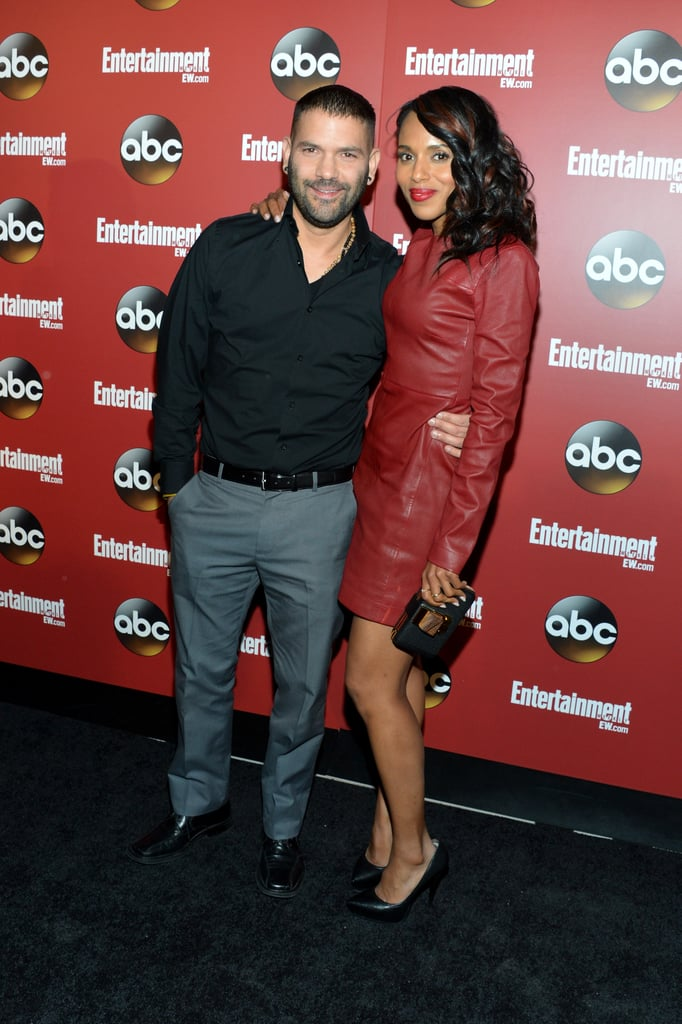 Kerry Washington hugged Guillermo Díaz.
