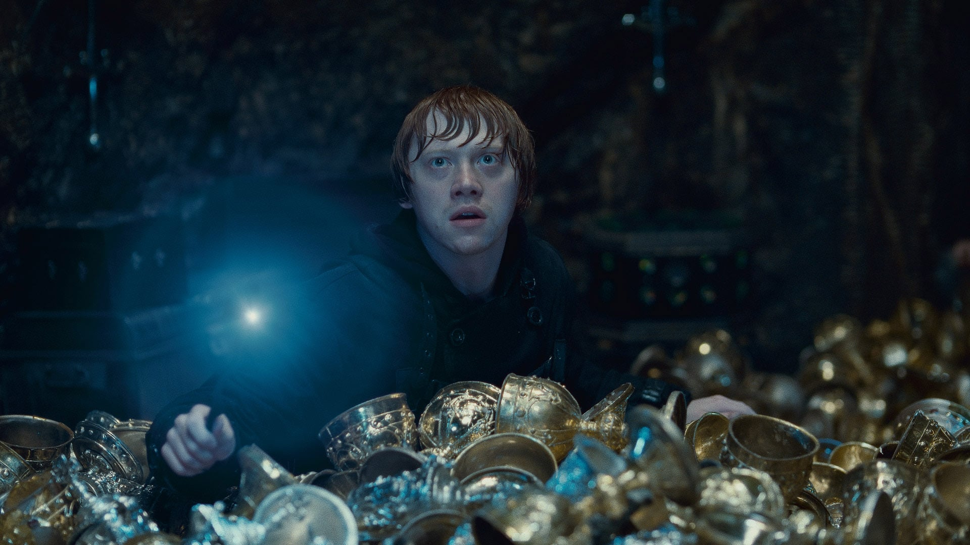 HARRY POTTER AND THE DEATHLY HALLOWS: PART 2, Rupert Grint, 2011. 2011 Warner Bros. Ent. Harry Potter publishing rights J.K.R. Harry Potter characters, names and related indicia are trademarks of and Warner Bros. Ent. All rights reserved./Courtesy Everett Collection