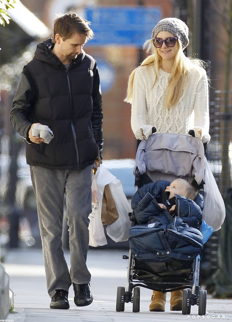 Kate Hudson pushed her son Bingham in his stroller while visiting a London farmers market with Matthew Bellamy yesterday. Matthew and Kate smiled and laughed as they shopped with their 1-and-a-half-year-old son. Tonight, though, will be all about work for Matthew — he and his band Muse are playing a show in London tonight. They'll soon be heading to the US to continue their tour in Florida on Friday.  Matthew was not the only one with a busy schedule during the London stay. Kate was able to catch up with her England-based pals. Last week, Kate donned a red Stella McCartney gown to make an appearance at the Elle UK Style Awards with Stella herself.