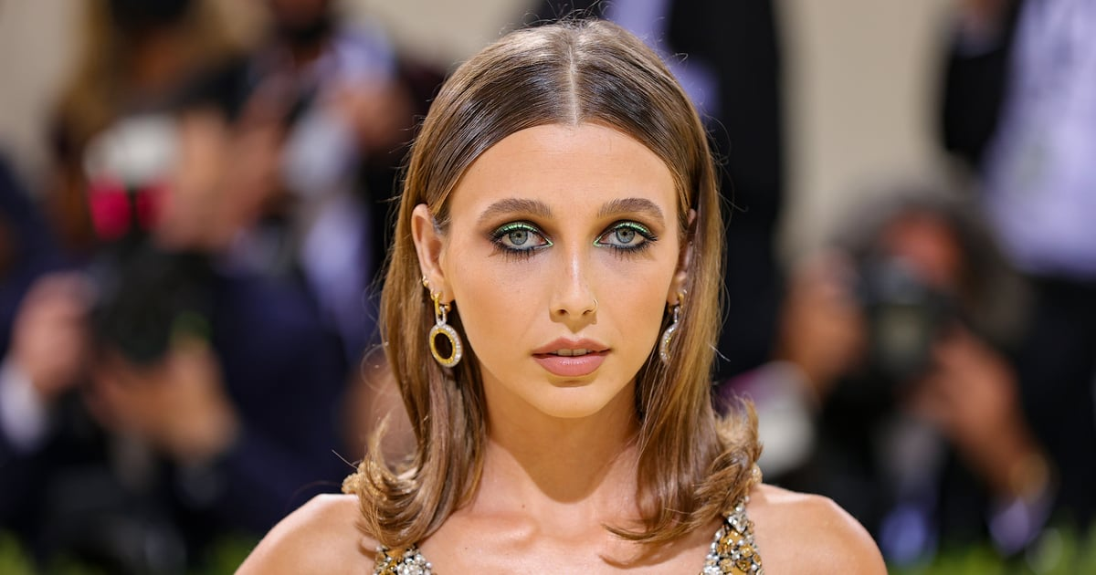 Emma Chamberlain's '60s-Style Lob at the Met Gala Almost Made Us Forget What Year It Is.jpg