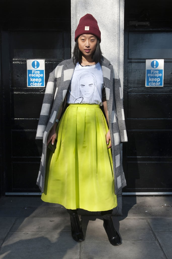 We love the cool-girl twist a beanie and tee gave to this brilliant full skirt by Tibi.