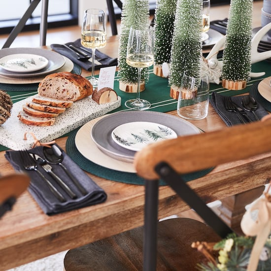 How to Create a Holiday-Themed Dining Room