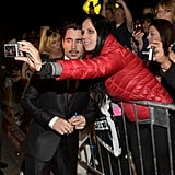 Colin Farrell took a photo with a fan.