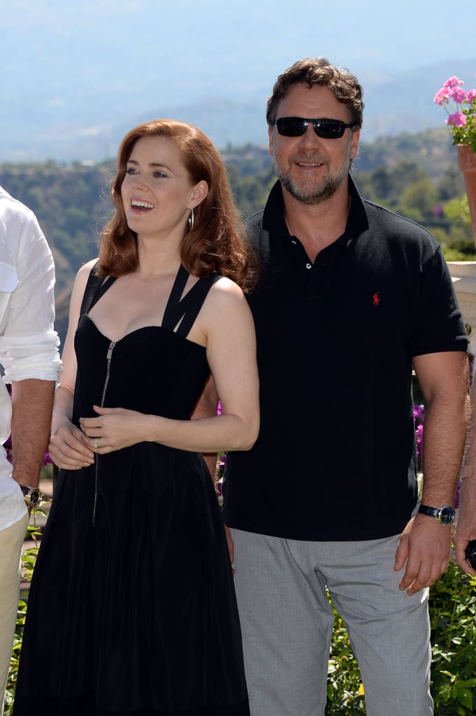 Amy Adams and Russell Crowe Squeeze In a Cuddle