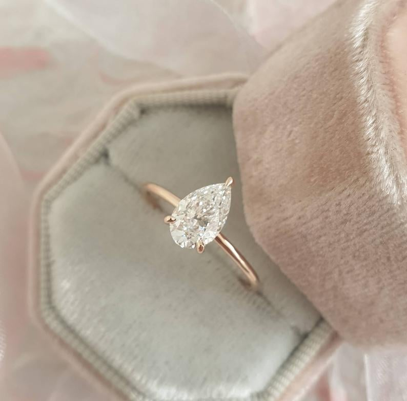 1.02 Carat Pear Shape Solitaire Diamond Ring in 14k Rose Gold
