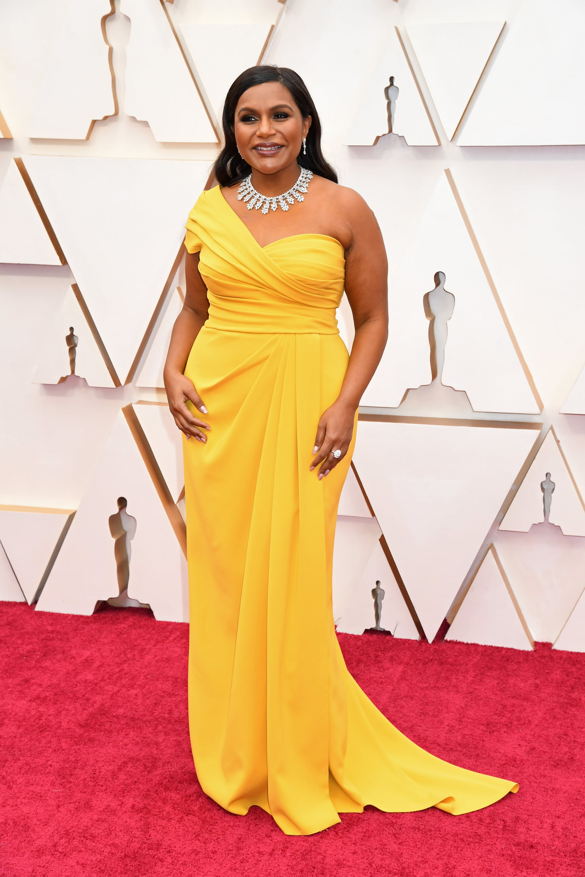 Mindy Kaling at the Oscars 2020 | These Gorgeous Oscars Red Carpet Looks  Ended Award Season With a Bang | POPSUGAR Fashion Photo 64
