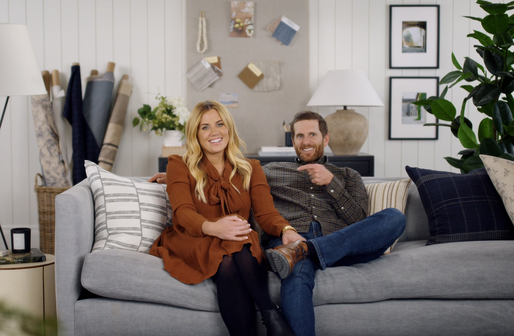 DREAM HOME MAKEOVER, from left: Shea McGee, Syd McGee, (Season 1, ep. 102, aired Oct. 16, 2020). photo: Netflix / Courtesy Everett Collection