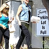 Gwen Stefani carried some homemade cookies.