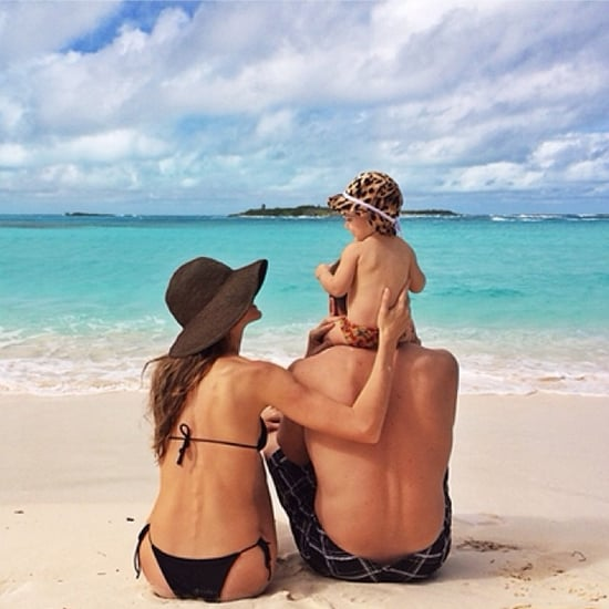 November-Gisele-Bündchen-shared-snap-her-sweet-family-while