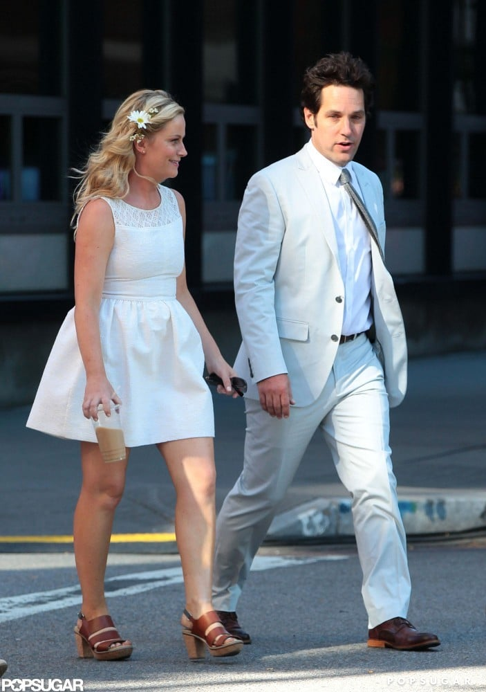 Paul Rudd and Amy Poehler walked to set side by side.