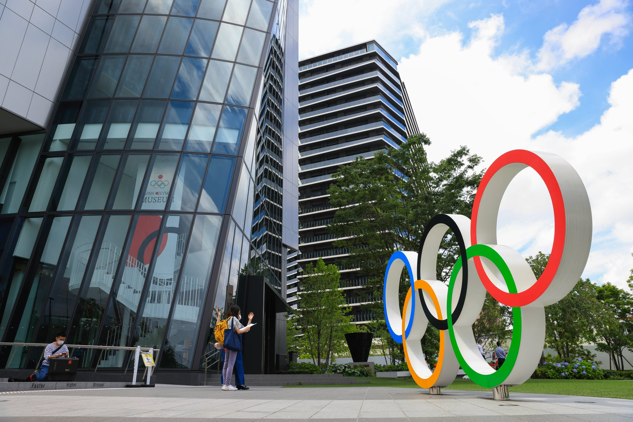 TOKYO, JAPAN - 2021/06/17: Olympic Rings installation in front of Japan Olympic Museum in Shinjuku.Construction of facilities for the Olympic games is still going on with only a few weeks to the opening of the controversial Summer Olympic Games. (Photo by Stanislav Kogiku/SOPA Images/LightRocket via Getty Images)