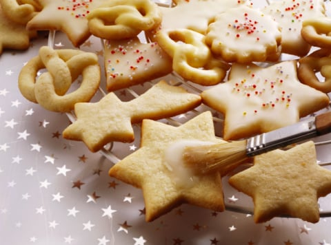Yummy Links: From Sugar Cookies to Food Charities