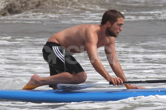 celebrityRobert-Pattinson-Shirtless-Pictures-Paddleboarding